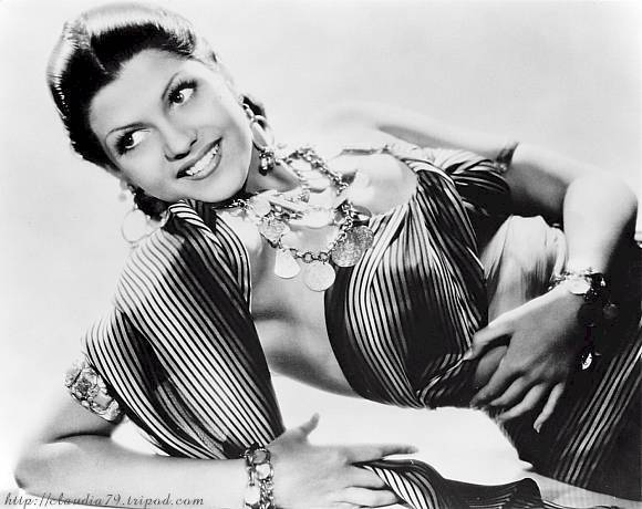 Rita Cansino as Nayda in Charlie Chan in Egypt