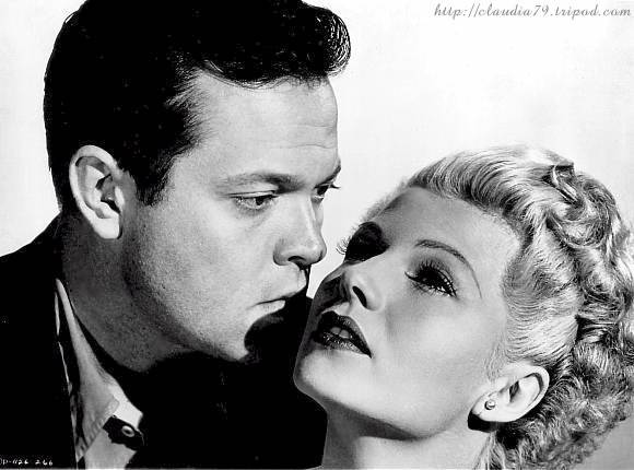 Orson Welles and Rita Hayworth, as Michael O'Hara and Elsa Bannister